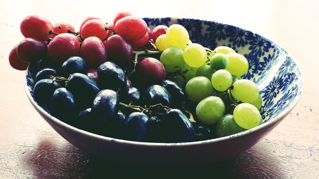 grapesList of healthy snacks for weight loss