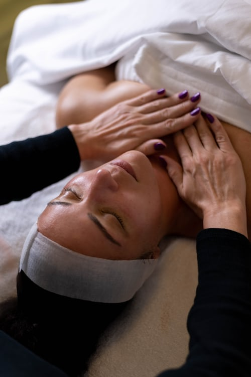 What Is The Best Spa In Lakeview?