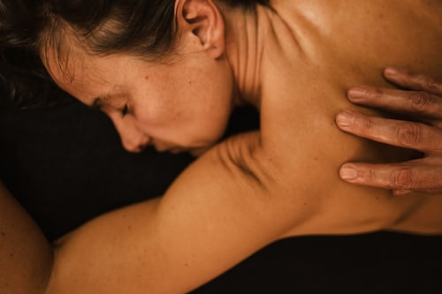Have A Couples Massage In Lakeview